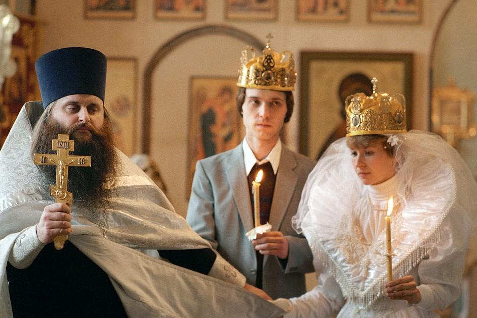 Церковь просит прописать брак в Конституции как союз мужчины и женщины