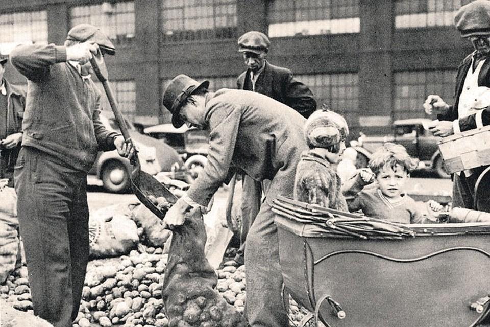 В годы Великой депрессии власти раздавали картошку голодающим американцам. Так вот, эксперты предрекают, что новый кризис будет еще страшнее и хуже, чем Великая депрессия.