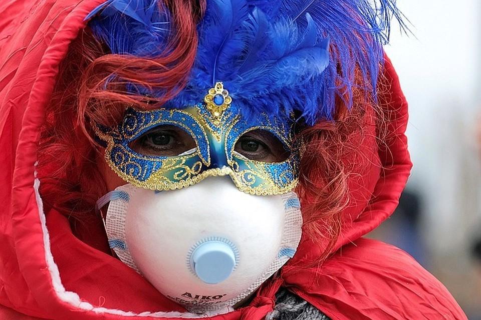 из-за вируса отменен знаменитый Венецианский карнавал.