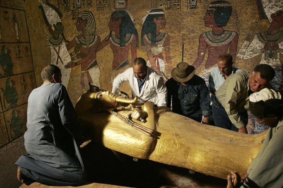 Археологи подозревают: где Тутанхамон - там и Нефертити, его предполагаемая мать.