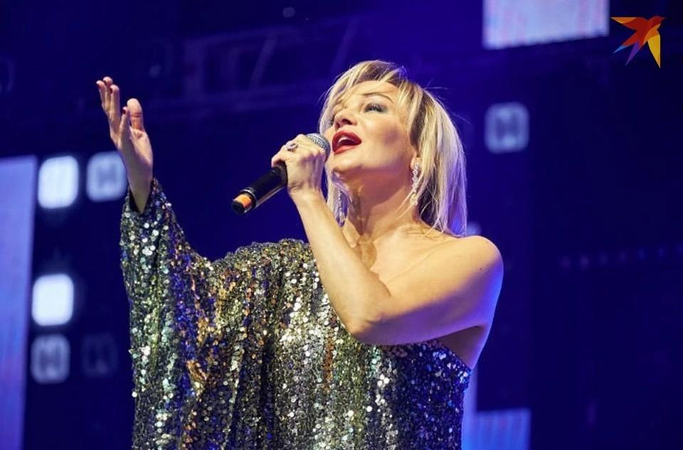 Несмотря на драку вовремя концерта, Буланова продолжила петь.