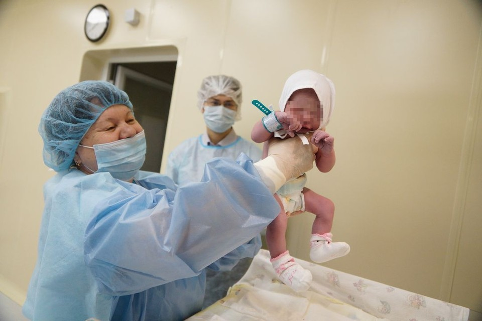 Роды в воде врачи не рекомендуют.