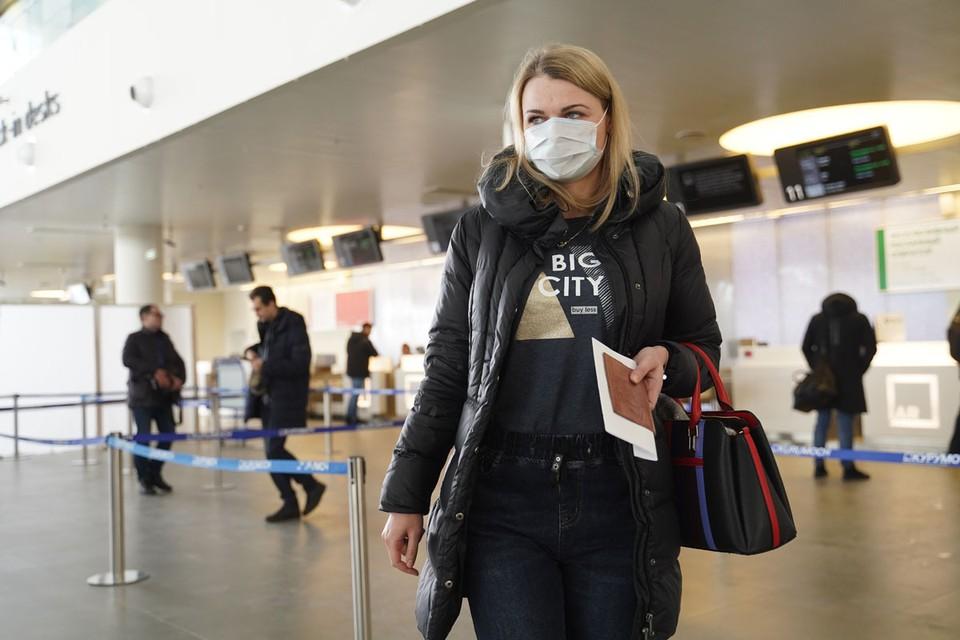 Из-за коронавируса закрываются для перелетов все новые города и страны.
