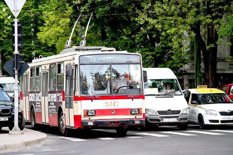 Будем ходить пешком, а лучше не выходить из дома: Кишиневцы в воскресенье останутся без общественного транспорта