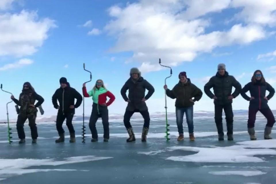 Рыбаки станцевали на Байкале в поддержку участников Евровидения - группы Little Big. Фото: скриншот видео.