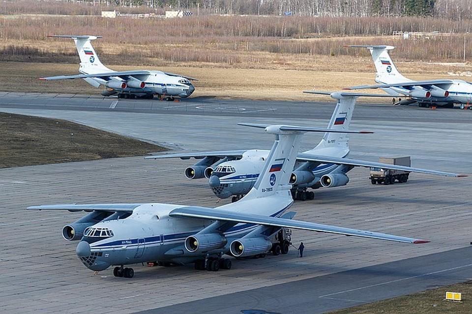 Российские военные медики вместе с оборудованием уже прибыли в Италию