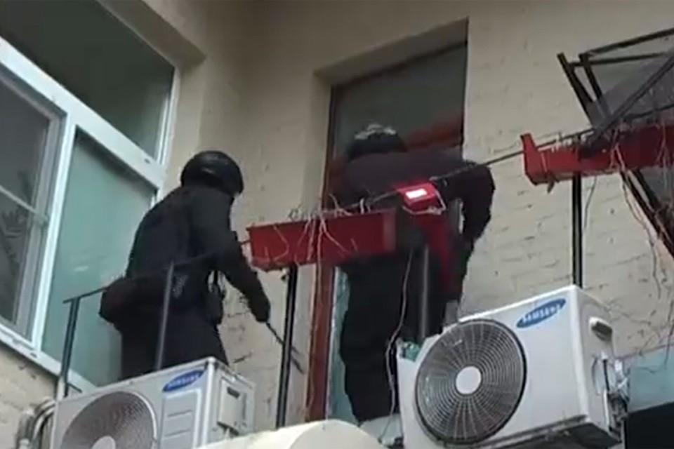В результате спецоперации в 11 регионах России задержаны более 30 членов группы