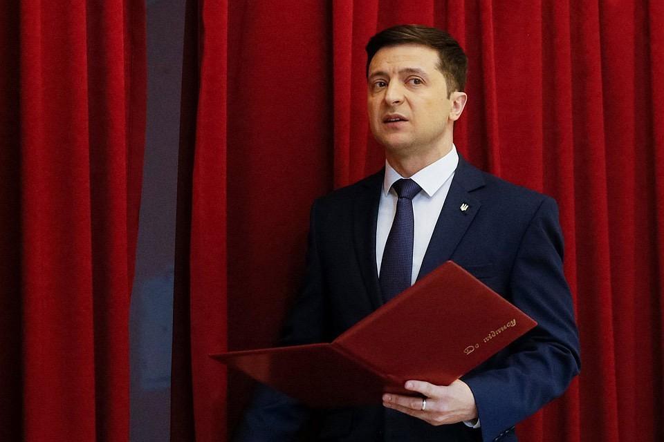 Зеленский объявил карантин по всей стране на месяц
