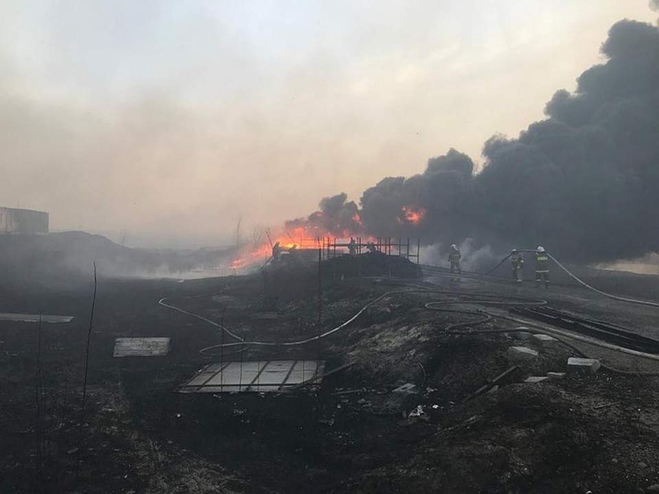 Огонь распространился на площади в 25 гектаров. Фото: ГУ МЧС России по РО.