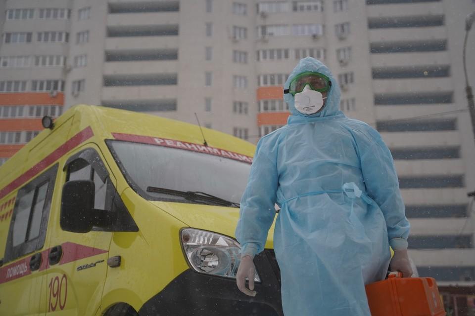 Двух заболевших коронавирусом сибирячек экстренно доставили в больницу.