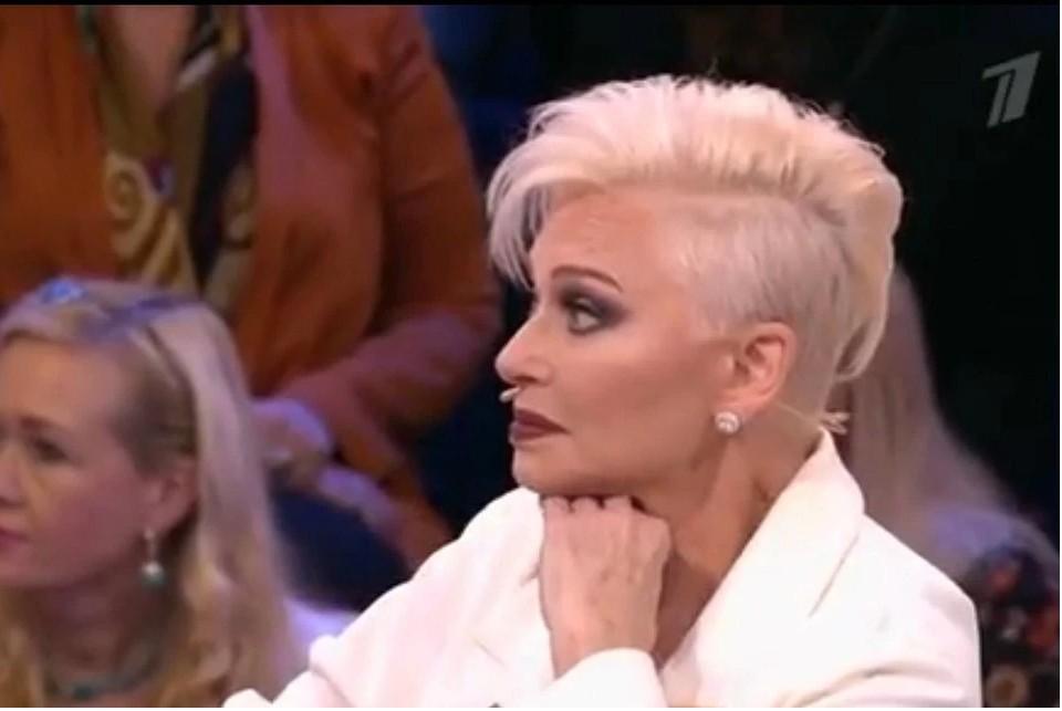 В свои 67 лет Ирина Понаровская потрясающе выглядит. Фото: кадр первого канала.