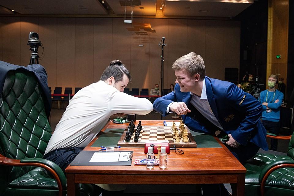 Победитель должен был в конце года сыграть с действующим чемпионом мира Магнусом Карлсеном