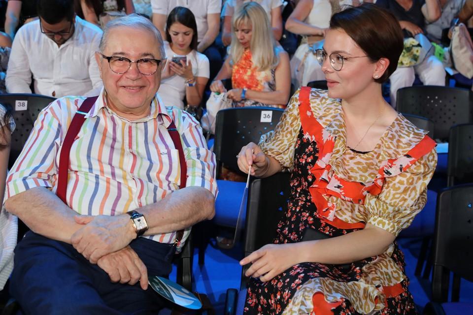 В прошлом году Евгений Петросян тайно женился на своей помощнице Татьяне Брухуновой.