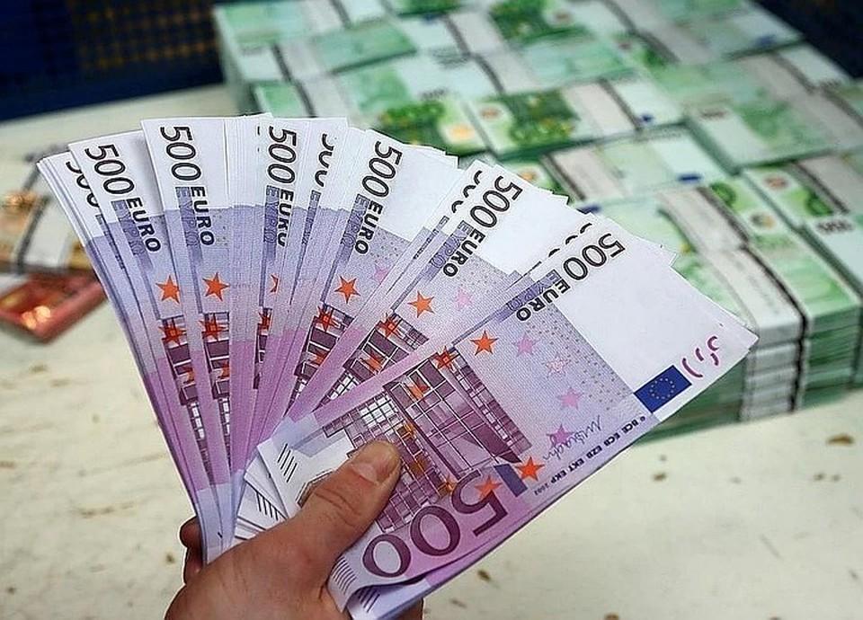 Курс евро на 8 апреля составил 82,01 рубля