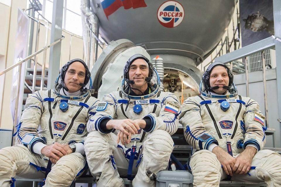 Слева направо: Кристофер Кэссиди, Анатолий Иванишин, Иван Вагнер.Фото: Роскосмос