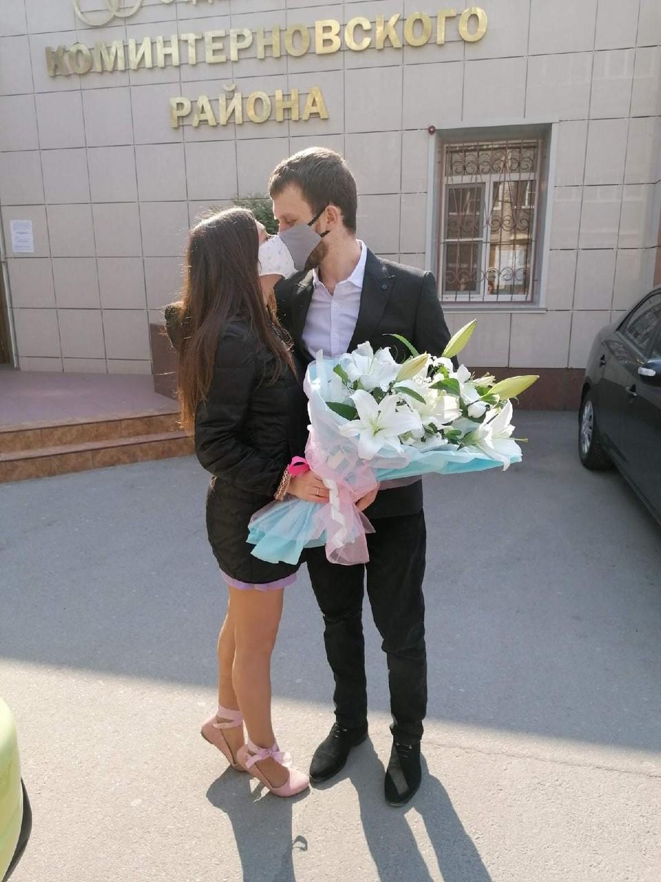 Невеста Виолетта со своим избранником Алексеем.