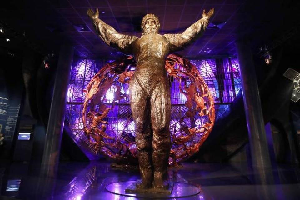 Скульптура Юрия Гагарина в Музее космонавтики в Москве. Фото: Артем Геодакян/ТАСС
