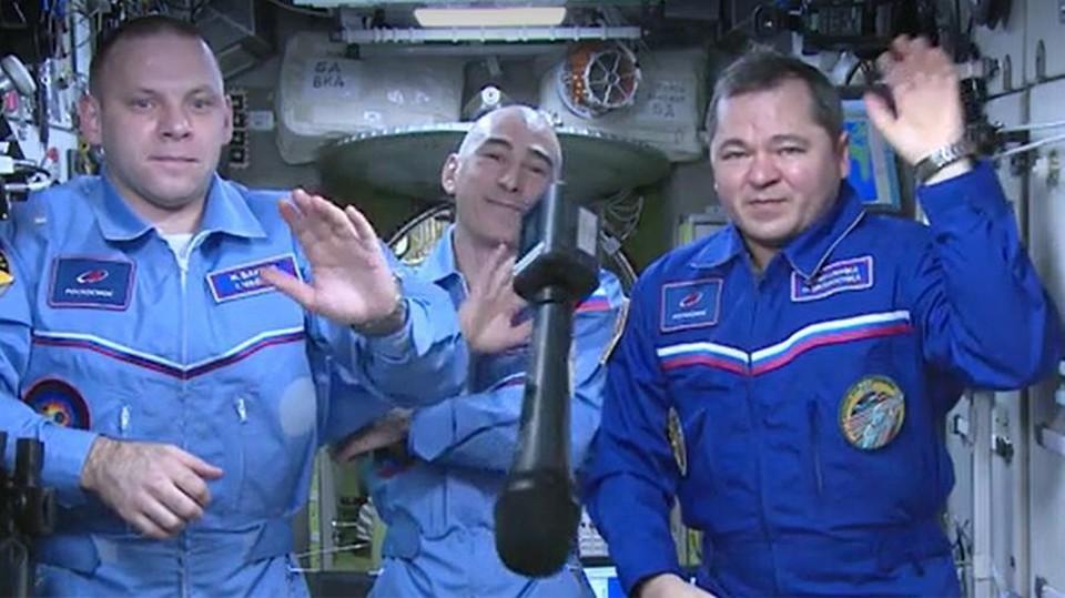 Российские космонавты на МСК. Фото: скрин видео