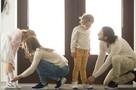 Коронавирус может жить на полу и подошве обуви