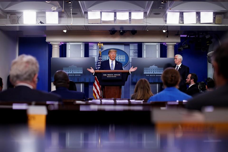 Дональд Трамп готов выделить дополнительные средства на помощь штатам и местным властям, чтобы помочь справится с последствиями коронавируса