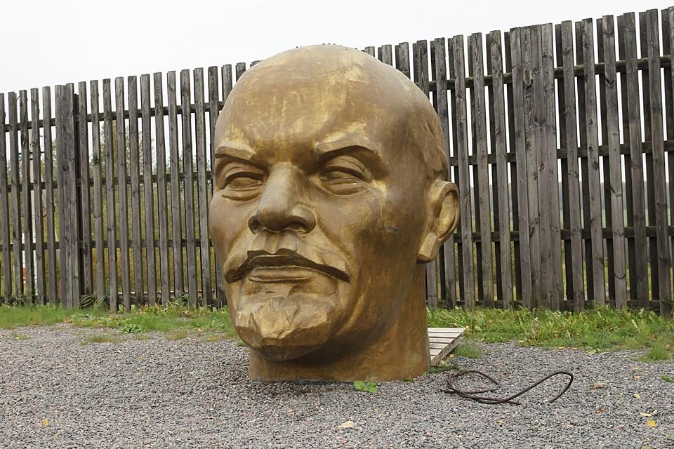 Владимир Ильич, мы все просрали. Прости нас