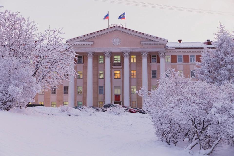 Народные избранники отчитались о своих доходах. Фото: Правительство Мурманской области