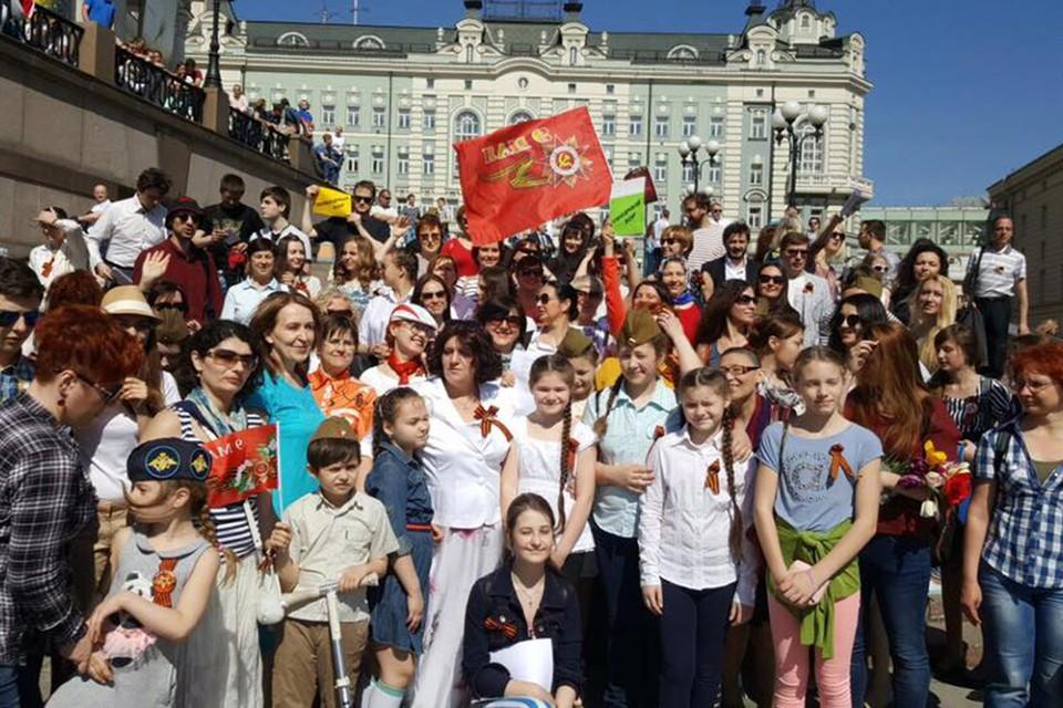 """Активисты """"Победного хора""""."""