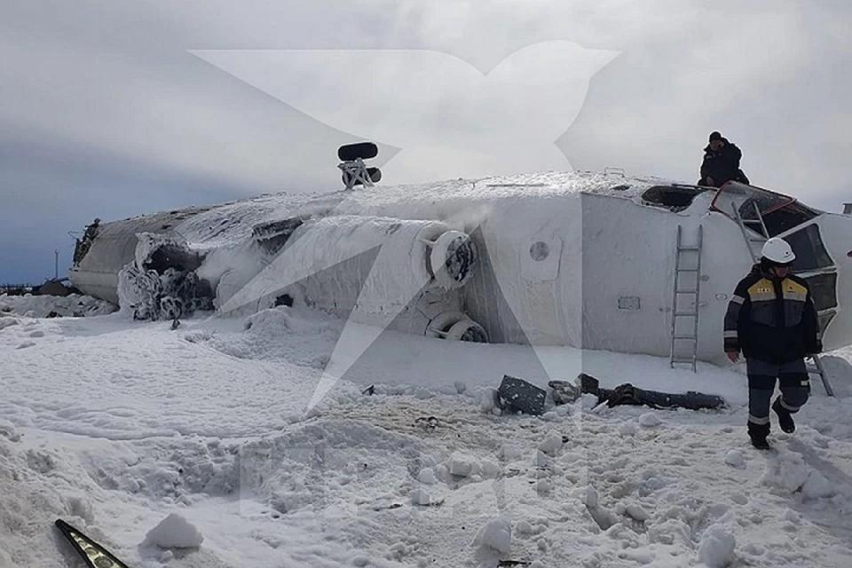 Жёсткая посадка вертолёта на Ямале, в котором пострадали четыре человека, вылилась в уголовное дело. Фото: предоставлено очевидцами