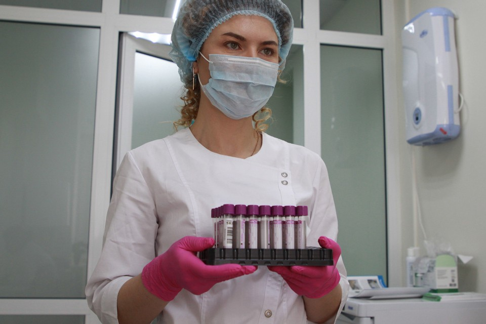 Врачи близки к созданию лекарства от коронавируса.