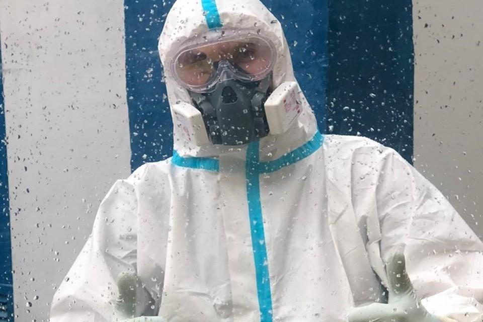 Алексей Завальский большую часть времени находится в дороге, сопровождая пациентов с коронавирусом