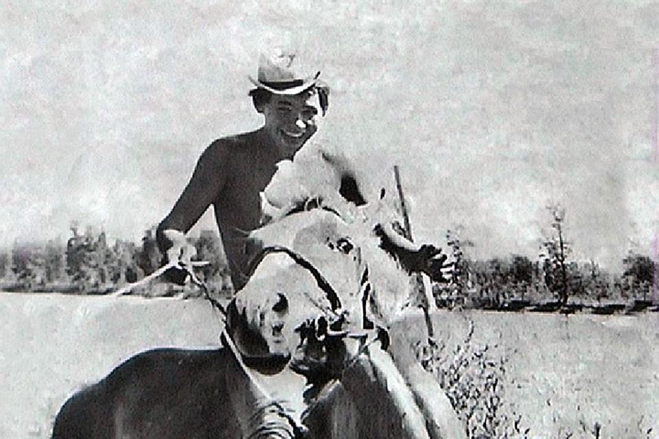Сергей Щойгу – участник Саяно-Тувинской археологической экспедиции, 16 лет, 1971 год. Фото из семейного архива