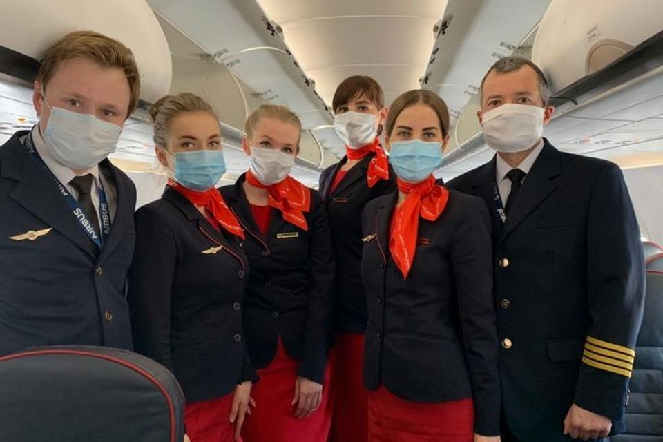 «Пассажиры остались довольны»: пилот Дамир Юсупов, посадивший самолет на кукурузу, вывез на Родину более 200 застрявших туристов