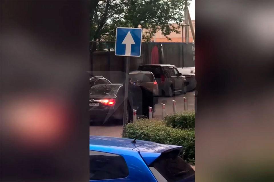 На Каширском шоссе в Москве неизвестные открыли стрельбу из автоматов