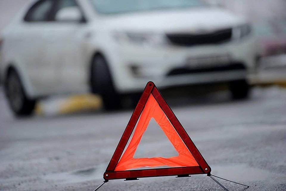 По предварительным данным, мальчик перебегал проезжую часть слева на право по ходу движения транспортных средств.