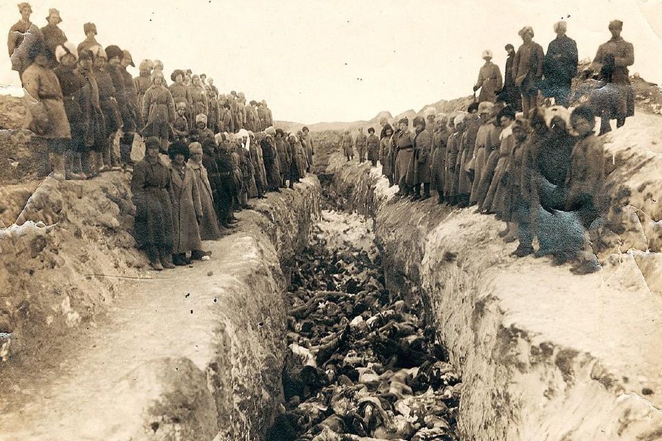 Улицы были полны трупов, их хоронили в братских могилах. Фото: предоставлено Музеем города Новосибирска.
