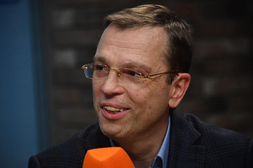 На «Радио Комсомольская правда» (97.2 FM) экономист Никита Кричевский порассуждал, почему бюрократия всегда стремится расширить свои полномочия
