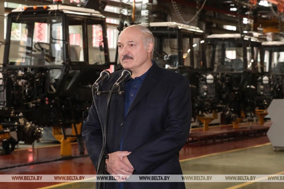 Александр Лукашенко на Минском тракторном заводе. Фото: belta.by