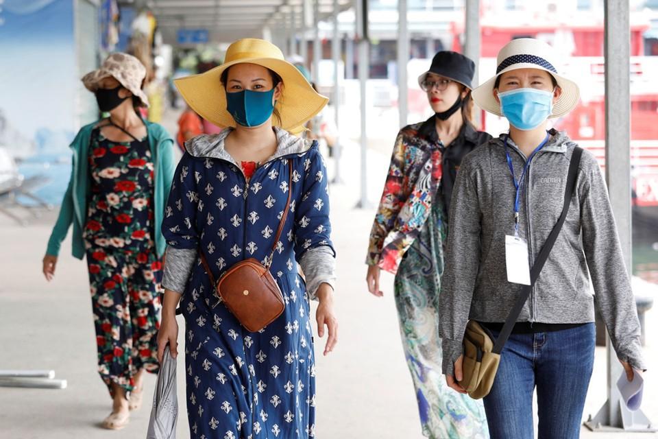 Многие специалисты скептически отнеслись к столь радужной эпидемиологической картине, выразив недоверие официальной вьетнамской статистике.