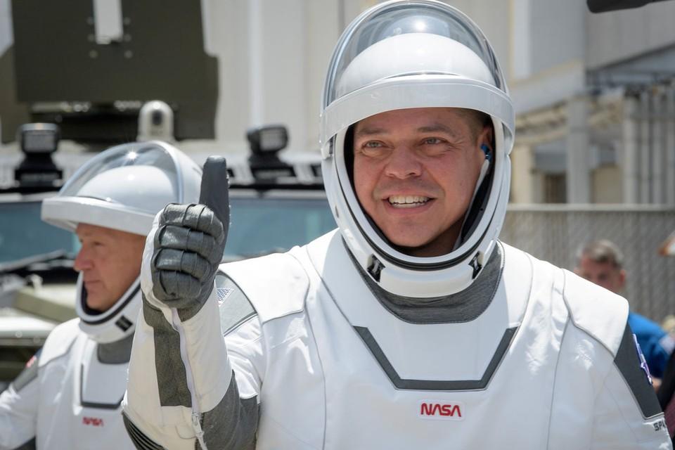 Скафандры SpaceX Элона Маска выглядели так, словно сошли с экранов голливудских блокбастеров о космических войнах.
