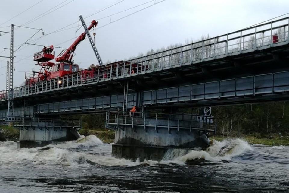 Ремонт моста идет полным ходом. Фото: Правительство Мурманской области