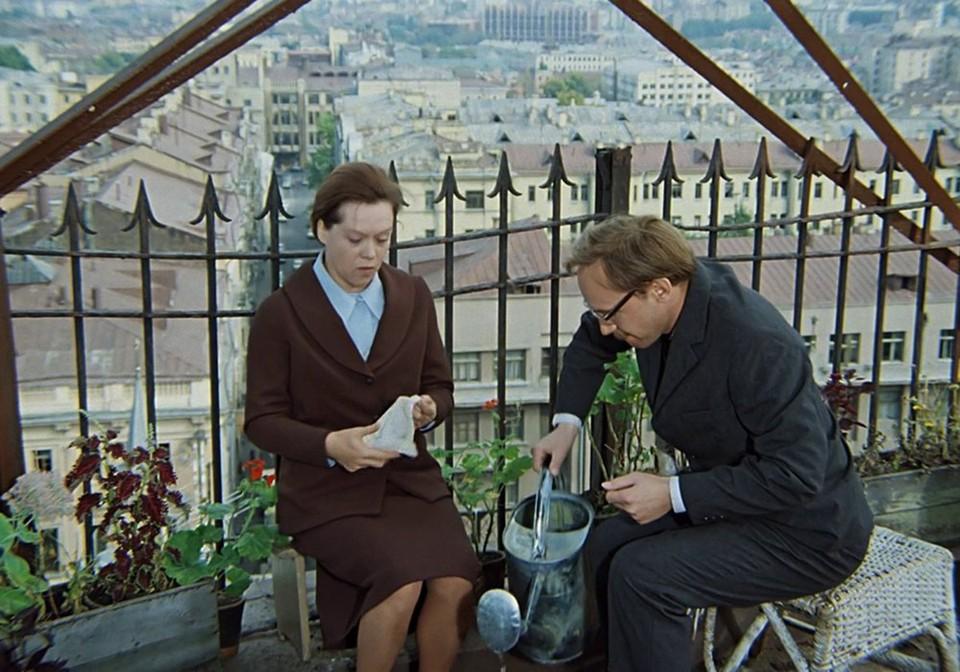 """На крыше дома снимали одну из сцен фильма """"Служебный роман""""."""