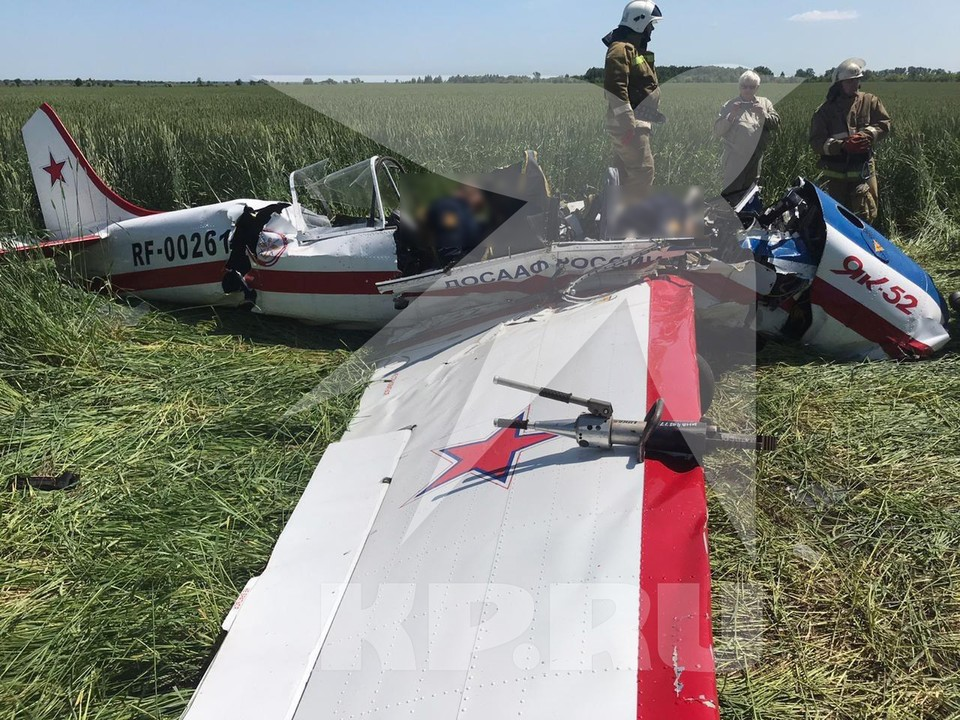 Два человека погибли при падении самолета Як-52 в Самарской области