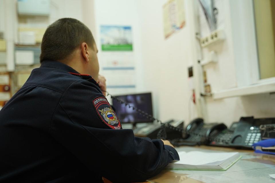 В настоящее время полиция проводит проверку и разыскивает неизвестного курьера, похитившего кошелек сотрудника посольства Турции в Москве.