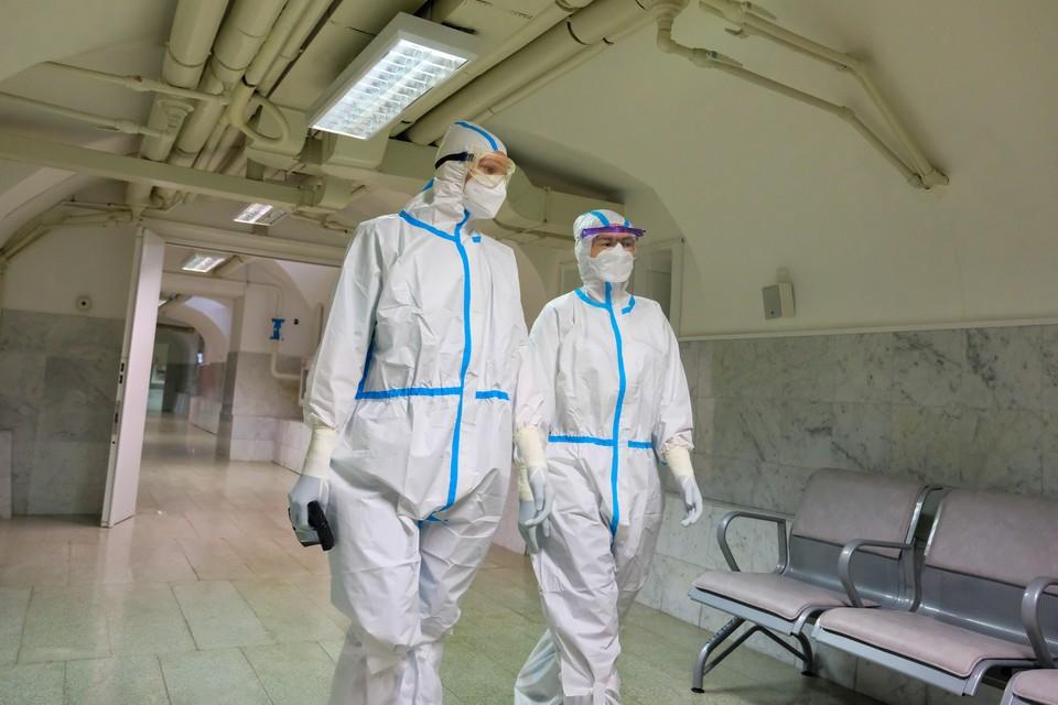 Ученый рассказал, дойдет ли до России и Санкт-Петербурге новая, еще более заразная мутация коронавируса.