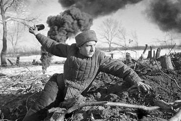 """Из первых фронтовых сводок: """"Немцы очень боятся штыковых атак и после криков """"ура"""" бросаются в бегство"""""""