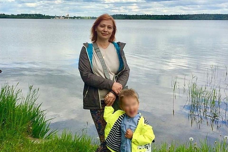 Во время стрельбы погибли Светлана и ее внук.