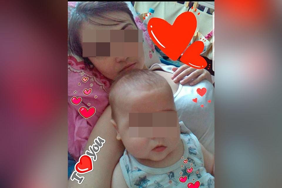 Соседи говорят, что девушка не всегда бывает заботливой мамочкой
