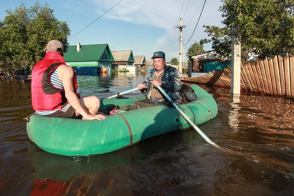 Иркутская область, июнь 2019 года. Пострадавшие в подтопленном районе Тулуна. Фото: Кирилл ШИПИЛИН/ТАСС