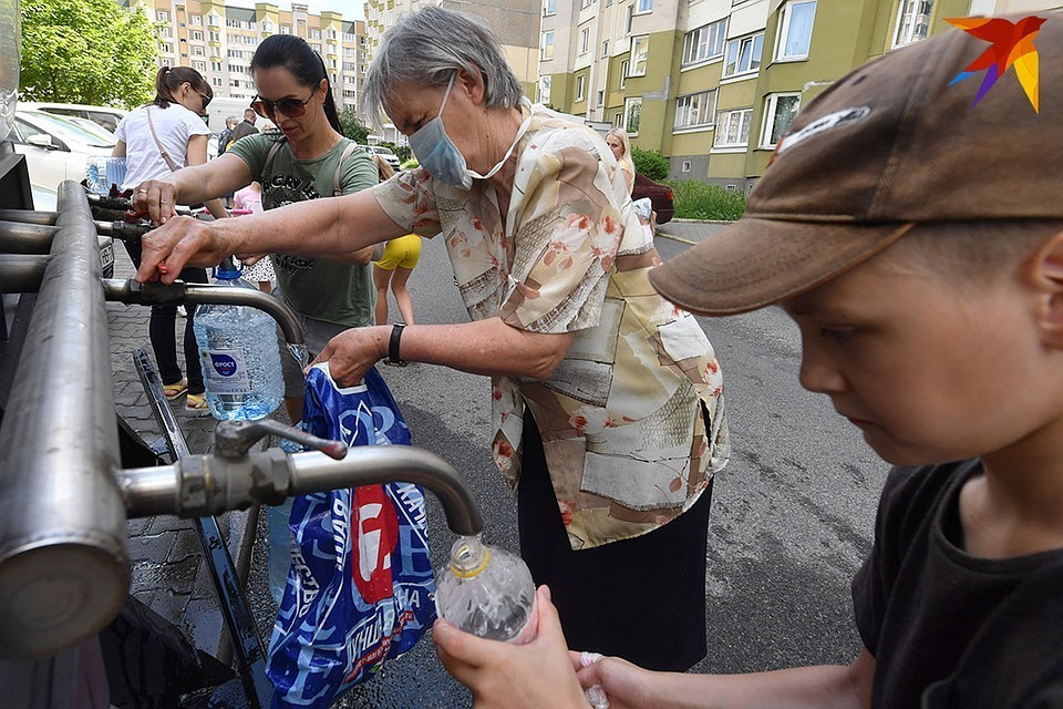 Минчанам, у которых из крана текла некачественная вода, разрешили не платить за воду в июле.