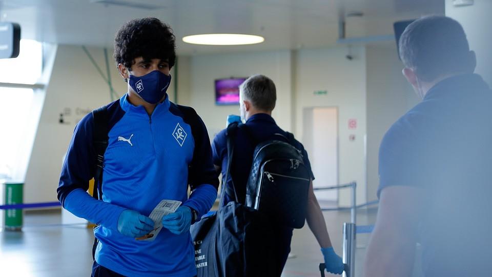 Футболисты уже улетели в Москву